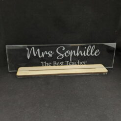 Desk-Sign-with-Base