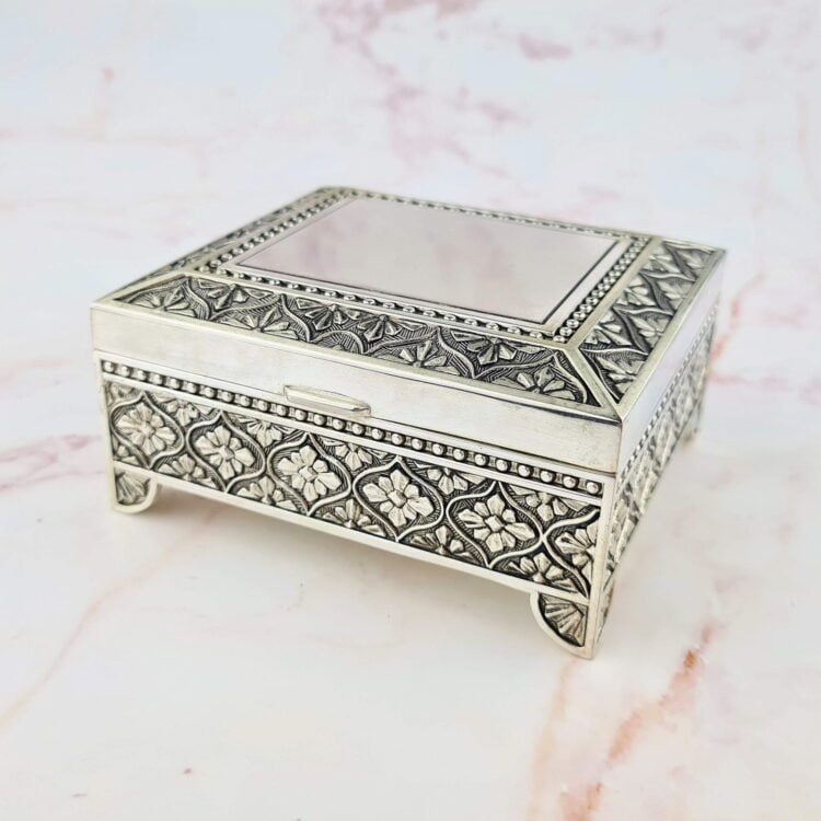 Personalised Square Leaf Silver Jewellery Box 1